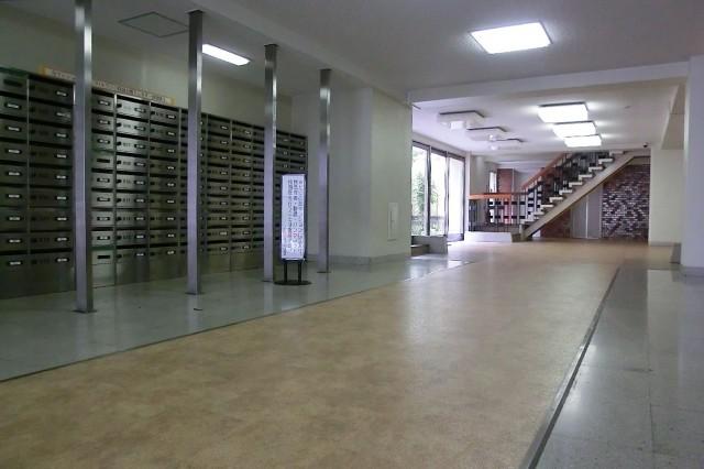 上町マンション エントランスホール