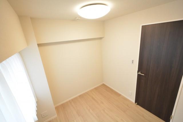 北新宿パレス303 洋室