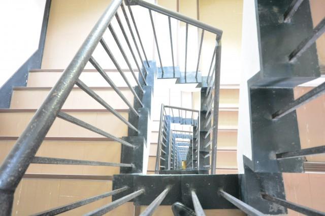 成宗マンション 階段