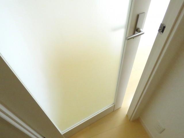 松濤マンション 洋室扉