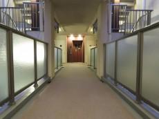 ジェイパーク上池台 共用廊下