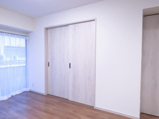 ニューお茶の水 洋室扉