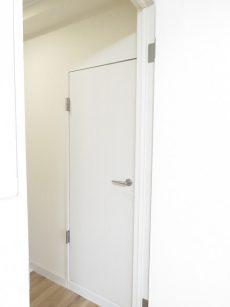 クレードル都立大 洗面室扉