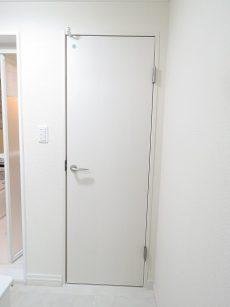 クレードル都立大 トイレ扉