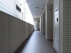 レジデンシャルスター三軒茶屋 共用廊下