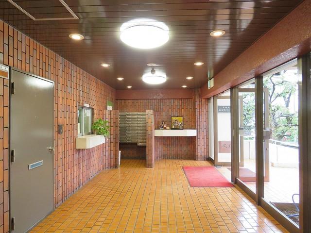 日商岩井桜新町マンション エントランスホール