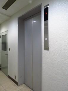 西五反田コープ エレベーター