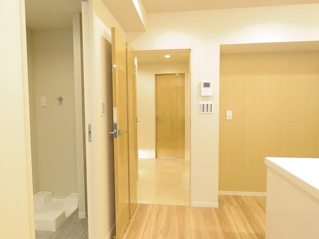 日商岩井桜新町マンション 廊下
