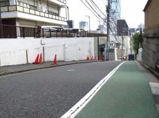 赤坂パレスマンション エントランス前道路