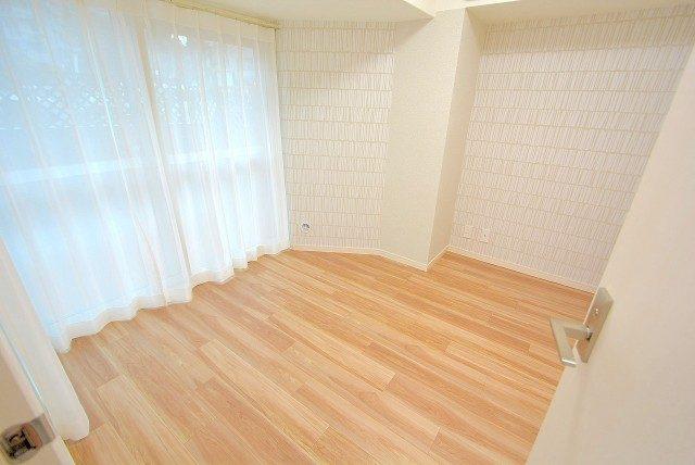 インペリアル常盤松 洋室2