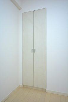 プレジール新宿大久保 洋室2