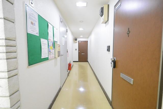 白鳳マンション中野新橋 内廊下