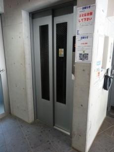 ル・リオン三軒茶屋 エレベーター