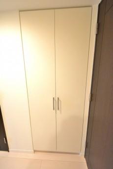 ベイクレストタワー 廊下収納