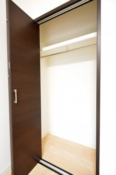 ライオンズマンション広尾第2 7.3帖のベッドルームクローゼット