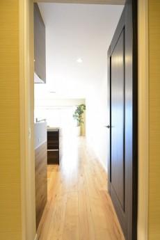 豊栄西荻マンション 4.8帖洋室LDKドア