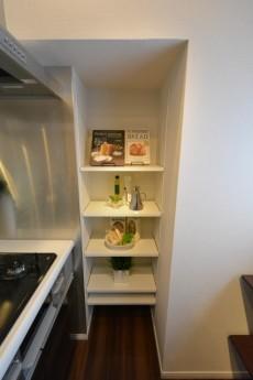 本郷ハウス キッチン棚