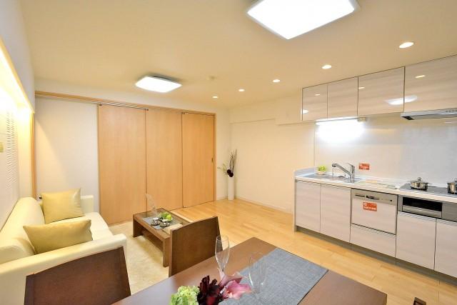バルミー赤坂 リビングダイニングキッチン