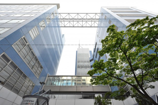 新高円寺 駅前