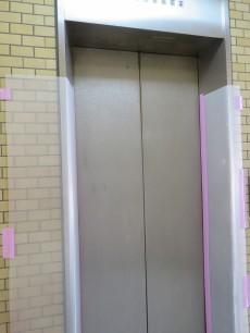 ベルメゾン鷹番 エレベーター