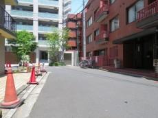プライム赤坂 前面道路
