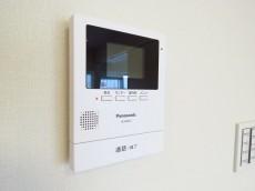 上野ロイヤルハイツ TVモニター付きインターホン