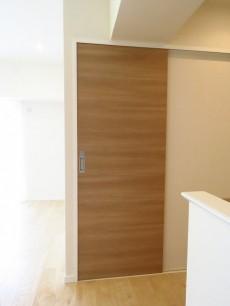 上野ロイヤルハイツ 洗面室扉