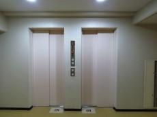 上野ロイヤルハイツ エレベーターは2基