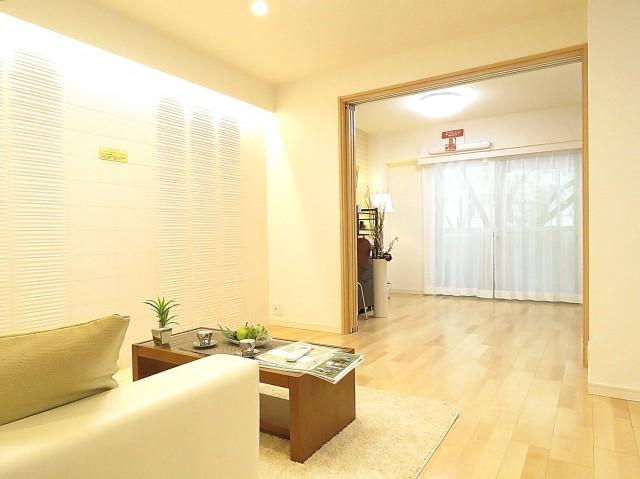 西新宿ダイヤモンドパレス リビング+洋室