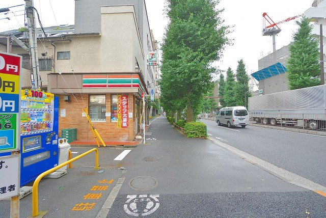 新高円寺 街道沿い