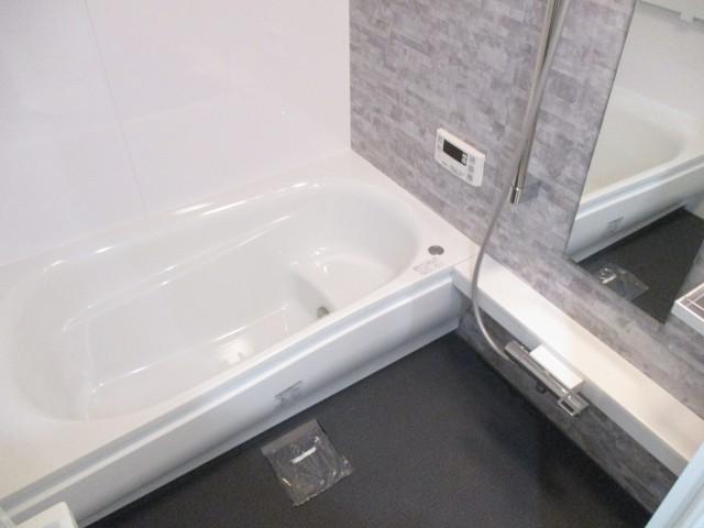 ライオンズプラザ石川台 4浴室横