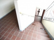 ハイムピア南烏山 共用階段