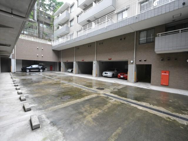 シティコート広尾 駐車場