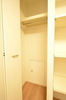 築地永谷コーポラス 4.0帖洋室のクローゼット