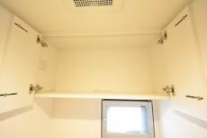 グランコピエ広尾 トイレ吊戸棚