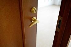 エステージ上野毛 8.0帖洋室ドア