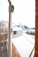 ライオンズマンション広尾第2 6.8帖洋室窓