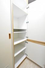 エステージ上野毛 キッチン内の食器棚