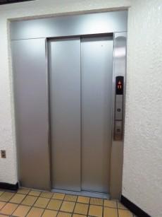 ハイネス巣鴨 エレベーター