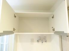 ディアハイム目黒 洗濯機置場上の収納棚