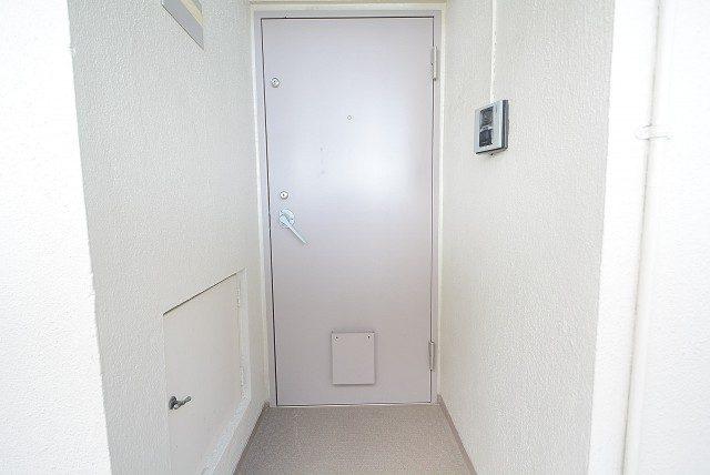 明大前フラワーマンション 玄関