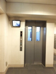 グローリオ明大前 エレベーター