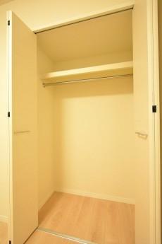 東中野パークマンション 5.6帖洋室のクローゼット