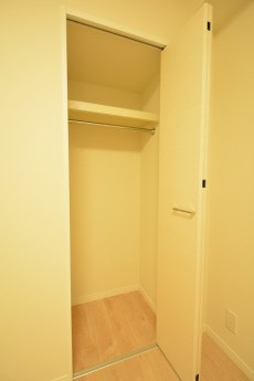 東中野パークマンション 4.3帖洋室のクローゼット