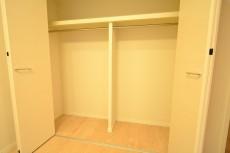 東中野パークマンション 6.2帖洋室のクローゼット