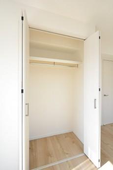 藤和護国寺コープ 7.2帖洋室のクローゼット