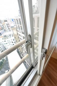 ライオンズマンション駒沢 窓 二重サッシ