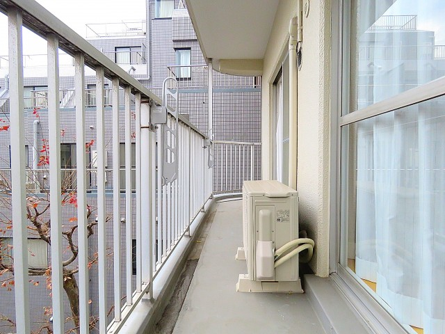 日商岩井第2玉川台マンション 東側バルコニー