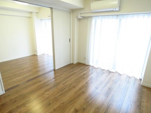 ルナパーク三軒茶屋 ダイニングキッチン+洋室