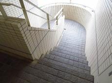 東急ドエルアルス碑文谷 共用階段